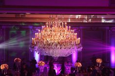 Salon Le Versailles @ Le Windsor Ballrooms Montreal. This chandelier has 2457 crystals