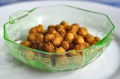Great recipe for Spiced Roasted Chickpeas & a natural way to get rid of fruit flies!