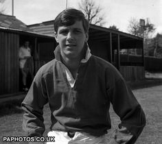 Barry John/ Wales & British lions Ireland Rugby, Wales Rugby, British Lions, Australian Football, Rugby League, Welsh, Squad, Dragons, Sports