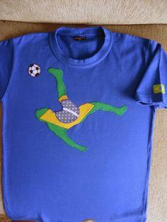 ......arteZ......: Camiseta Patchwork Brasil - Copa do Mundo - Jogador de Futebol