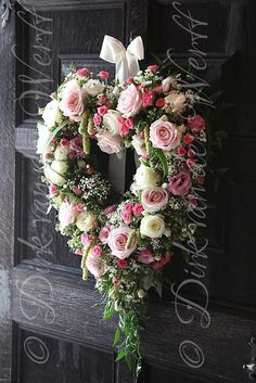 Heart wreath - door decoration, this would be stunning on the door for valentine's day, just love this! Valentine Day Wreaths, Valentine Decorations, Wedding Decorations, Valentines, Aisle Decorations, Wreath Crafts, Diy Wreath, Diy Garland, Door Wreaths