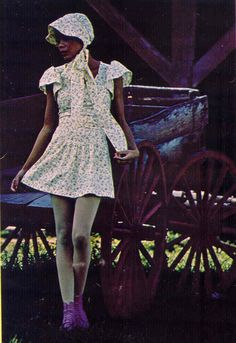 When I was a teenager, I LOVED Betsey Johnson's designs for Butterick! I was so exited when I found a vintage copy of Seventeen magazine tha. Seventies Fashion, 70s Fashion, Fashion History, Vintage Fashion, Fashion Rocks, Vintage 70s, Vintage Sewing, Vintage Clothing, Vintage Style