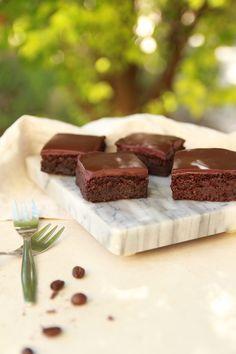 vegan chocolate beetroot cake