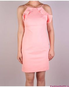 Rochiile sunt considerate articole vestimentare pline de feminitate, foarte lejere si comode, si sunt disponibile intr-o gama variata de modele si intr-o paleta High Neck Dress, Bodycon Dress, Dresses, Fashion, Turtleneck Dress, Gowns, Moda, La Mode, Dress