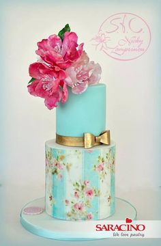 Wafer Paper Cake Cake with wafer paper flowers Wafer Paper Flowers, Wafer Paper Cake, Cute Cakes, Pretty Cakes, Wedding Cake Designs, Wedding Cakes, Fondant Cakes, Cupcake Cakes, Bolo Floral