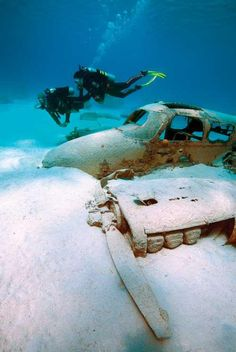 ♂ Aged with beauty - abandoned old rusty airplane underwater