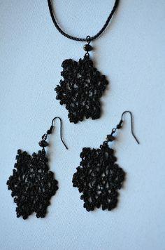 Outstanding Crochet: Snowflakes earrings.