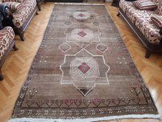 homevintagerug full of pretty vintage rugs by homevintagerug Style Vintage, Vintage Rugs, Turkey Colors, Hallway Rug, Pink Rug, Moroccan Style, Small Rugs, Floor Rugs, Handmade Rugs