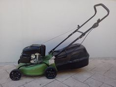 Rockewell Shopseries 139cc 4 stroke mower Starts easily first pull Plenty of meat left on blades  $80 Trinity Beach #rangloo, #bar, #accessories