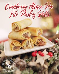 A delicious and fun way to make mince pies even more easy to eat. The filo pastry is so crisp against the warm spiced cranberry mince. Make sure you try my Cranberry Mince Pie Filo Pastry Rolls. Mince Meat, Mince Pies, Mincemeat Cake, Filo Pastry, Christmas Baking, Main Meals, Recipe Using, I Foods, Crisp