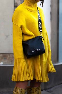 Vogue: Fashion, Beauty, Celebrity, Fashion Shows yellow sweater dress - yellow snake print boots - street style Estilo Fashion, Fashion Mode, Fast Fashion, Star Fashion, Paris Fashion, Ideias Fashion, Fashion Looks, Fashion Outfits, Vogue Fashion