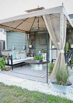 Backyard Landscaping Ideas - Love the table!