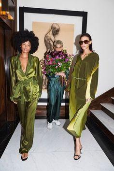 Fashion Show, Runway Fashion, Milan Fashion, Womens Fashion, For Restless Sleepers, Becoming A Writer, Ready To Wear, Catwalk, Lounge Wear