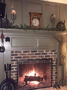 Dressed Up Colonial / Grand grey background. Primitive Fireplace, Primitive Living Room, Primitive Homes, Fireplace Mantle, Fireplace Surrounds, Fireplace Ideas, Faux Mantle, Fireplace Pictures, Mantel Ideas