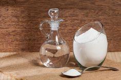 Není nic jednoduššího, než vzít sklenku teplé vody a přidat do ní 1 lžíci jablečného octa a špetku jedlé sody Glass Of Milk, Gardening, Fitness, Lawn And Garden, Horticulture