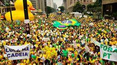 Manifestação na Avenida Paulista, região central da capital, contra a corrupção e pela saída da presidenta Dilma Rousseffhttp://exame.abril.com.br//brasil/noticias/as-imagens-dos-protestos-contra-dilma-deste-domingo/lista