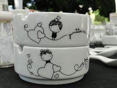 VAJILLA DIBUJADA: CENICEROS DE CARÁMICA Pottery Painting, Ceramic Painting, Ceramic Art, Drawing Cup, Cerámica Ideas, Painted Coffee Mugs, Mug Art, Sharpie Crafts, Diy Mugs