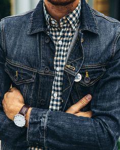 May 16 2017 - Stay Classic Denim Jacket Men, Men's Denim, Denim Style, Shirt Style, Denim Fashion, Fashion Outfits, Fashion News, Casual Outfits, Men Casual