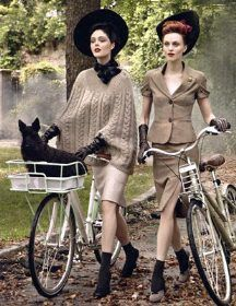 Coco Rocha and Karen Elson in vintage hats from Dorothea's Closet, Vogue Sept Steven Meisel Foto Fashion, 1940s Fashion, Vintage Fashion, Bike Fashion, Vintage Couture, Fashion Fall, Fashion Shoot, Style Fashion, Moda Vintage