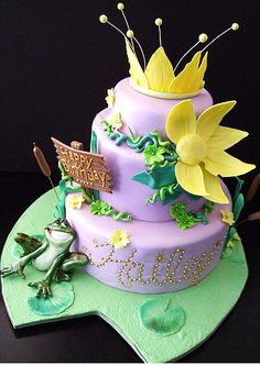 Princess And The Frog Cake Decorations. With the help regarding cake decorating ideas anybody may prepare a great and delicious. Frog Birthday Party, Disney Birthday, Baby Birthday, Birthday Ideas, Princesa Tiana, Disney Princess Party, Princess Birthday, Tangled Princess, Princess Merida