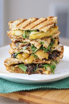 Pear, Blue Cheese, & Caramelized Onion Panini is the perfect sandwich for autumn or anytime! Blue cheese adds a depth of flavor that no other cheese can deliver. Grill Sandwich, Soup And Sandwich, Panini Recipes, Lunch Recipes, Vegetarian Recipes, Cooking Recipes, Vegetarian Panini, Vegetarian Sandwiches, Going Vegetarian