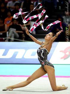 Almudena Cid (Spain) / World Championship 1999 in Osaka, Japan Gymnastics Photos, Gymnastics Photography, Sport Gymnastics, Artistic Gymnastics, Rhythmic Gymnastics, Ea Sports, Sports Women, Osaka Japan, World Of Sports