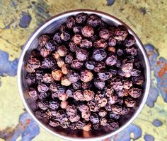 Black Peppercorn Syrup.  Learn how to make a syrup that will add heat and complexity to your next cocktail; see medicinalmixology.com.  Not a drinker?  The syrup can be added to hot water, tea, or juices for nutritional benefits.  For example, muddle a strawberry, juice from a lemon wedge, and a little thyme.  Top with hot water and a shot of Black Pepper Syrup.  Enjoy a medicinal brew that will give you relief during a cold. Cocktails To Try, Fun Drinks, Cocktail Recipes, Cocktail Ideas, Compound Butter, Cocktail Ingredients, Lemon Wedge, Natural Cures, Herbal Medicine