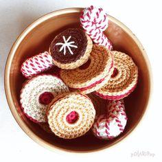 COOKIES Christmas Decoration --- Set of 5 --- crochet pattern for beginners (EN, DE) --- Pdf, 12 Pages, 100+ photos!