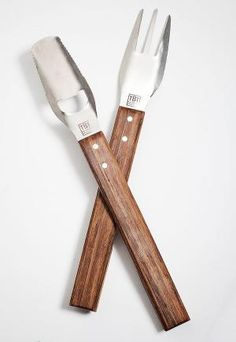 Have you seen this cool South African multi-tool for braaing? The Braai Tool has great potential to significantly reduce your braai tool drawer's clutter. Designed by Tool Drawers, South African Design, South African Recipes, Name Design, Boutique Design, Cool Names, Cape Town, Clutter, Cool Stuff