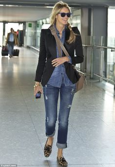 Elle Macpherson grins as she pulls off double denim while making a chic exit from London It's one of the trickier fashions to pull off, with even the likes of Rihanna struggling to make it look cool. Double Denim, Cool Outfits, Casual Outfits, Fashion Outfits, Travel Outfits, Casual Jeans, Travel Shoes, Casual Chic, Casual Dressy