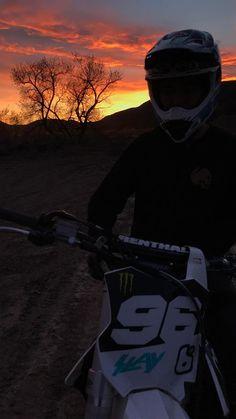 Justus Biker Love, Biker Girl, Motocross Love, Moto Cross, Bike Couple, Bike Photography, Dirtbikes, Motorcycle Gear, Street Bikes