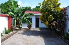 Miss Julyn Sweet Home, San Andrés – Updated 2019 Prices 2 Bedroom House, Front Desk, Colorful Decor, Family Room, Sweet Home, Garden, Colombia, Garten, House Beautiful