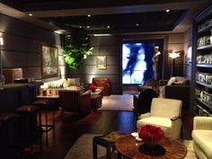 Backstage at the Oscars....this is the gorgeous green room!!