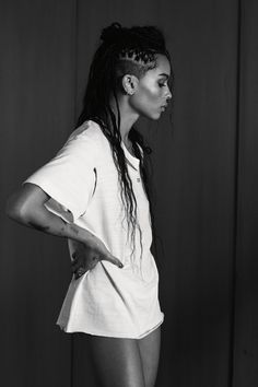 zoë kravitz discusses the politics of fame and racism in hollywood   read   i-D