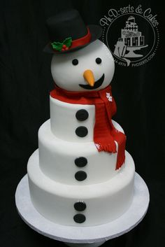 Buttoned-Up Smiley Snowman Cake Christmas Cake Designs, Christmas Sweets, Christmas Goodies, Christmas Baking, Christmas Cakes, Winter Torte, Winter Cakes, Bolo Hello Kitty, Cake Original