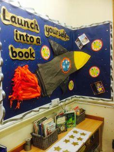 Space rocket reading corner Book Corner Classroom, Space Theme Classroom, Classroom Decor Themes, Classroom Displays Ks2, School Displays, Library Displays, Book Displays, Space Bulletin Boards, Reading Bulletin Boards