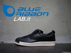 Adidas Superstar Slipon W Shoe Boots, Shoe Bag, Adidas Superstar, Fashion Boots, Adidas Originals, Fashion Forward, Cool Style, Fashion Dresses, Dress Shoes