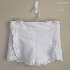 """Love these shorts!  Want a pair for me!  A tutorial to make ruffle shorts from the Oliver & S pattern """"Class Picnic Shorts"""""""