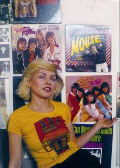 Women Of Rock, Blondie Debbie Harry, Birth Mother, Seventies Fashion, Florence Welch, Riot Grrrl, Music Pics, Diane Keaton, Blues Artists