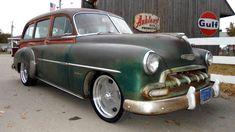 Resto-mod Wagon: 1952 Chevrolet Styleline Deluxe - http://barnfinds.com/resto-mod-wagon-1952-chevrolet-styleline-deluxe/