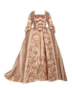 Robe à la Française, 1775, LeinengewebeManteau, Germany, silk in light pink to burgundy. MK Hamburg