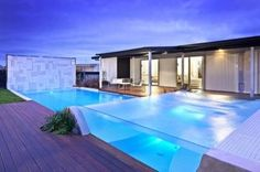 Top 507 modern villa design with swimming pool using houston swimming pool glass bottom and patio design online tool with modern exterior house painting designs - Awesome home interior design Amazing Swimming Pools, Luxury Swimming Pools, Luxury Pools, Indoor Swimming Pools, Dream Pools, Swimming Pool Designs, Cool Pools, Awesome Pools, Moderne Pools