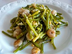 Scrambled Eggs with Young Garlic and Shrimps Hot Appetizers, Garlic Shrimp, Scrambled Eggs, Allrecipes, Asparagus, Green Beans, Great Recipes, Tapas, Easy Meals
