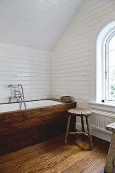44 ideas for bathroom bathtub wood tub surround Wood Tub, Wooden Bathtub, Wooden Bath Panel, Built In Bathtub, Wood Tiles, Beautiful Bathrooms, Modern Bathroom, White Bathroom, Wood Bathroom