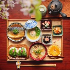 rown rice, tofu miso soup, pickled plum, grilled salmon w/ Japanese… Japanese Dishes, Japanese Food, Tofu Miso Soup, Yummy World, Breakfast Photo, Food Drawing, Grilled Salmon, Food Menu, Asian Recipes