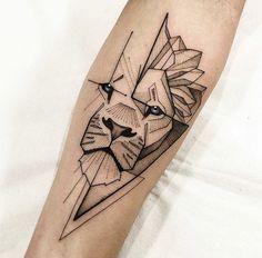 Dreieckiges Tattoos, Lion Forearm Tattoos, Lion Head Tattoos, Badass Tattoos, Body Art Tattoos, Small Tattoos, Tattoos For Guys, Sleeve Tattoos, Geometric Lion Tattoo