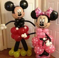 made of balloons only! so cute!
