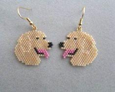 Golden Retriever Earrings in Delica seed beads Animal Earrings, Seed Bead Earrings, Beaded Earrings, Seed Beads, Crochet Earrings, Beaded Bracelets, Owl Earrings, Beaded Jewelry Patterns, Bracelet Patterns