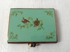 Vintage Stratton Compact With Wrens by LenaLovesVintage on Etsy