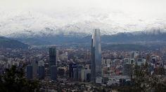 Chile sube en índice de competitividad global pese a casos de financiamiento ilegal de la política - Teletrece
